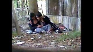 Desi cute indian lover sucking big cock in public park